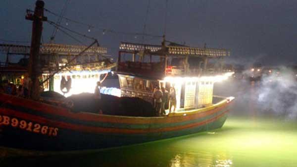 đèn led cho tàu thuyền đánh cá tại hải phòng